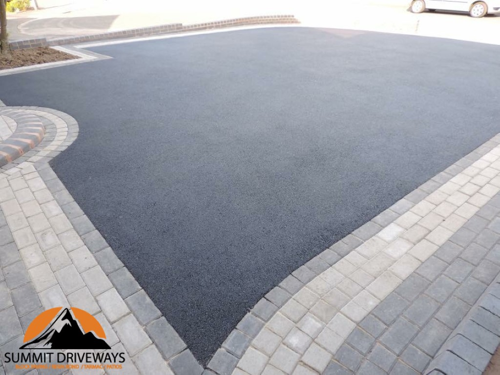 Tarmac With Paving Borders
